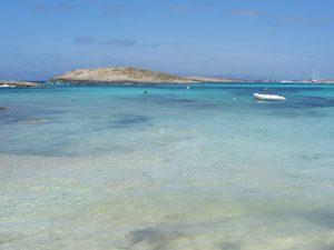 Descubre Formentera en un yate de alquiler