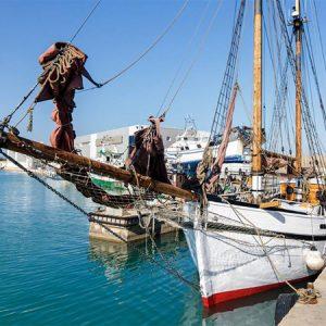 Navegando Goleta Saga Ibiza Barco Alquiler en Ibiza