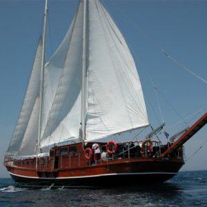 Navegando Goleta Barco Alquiler en Ibiza