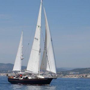 Navegando Ketch Irving 68 Barco Alquiler en Ibiza