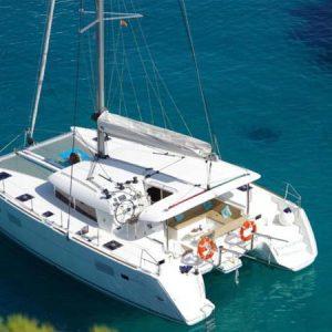 Navegando Lagoon 400 Catamarán Alquiler en Ibiza