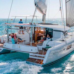 Navegando Lagoon 42 Catamarán Alquiler en Ibiza