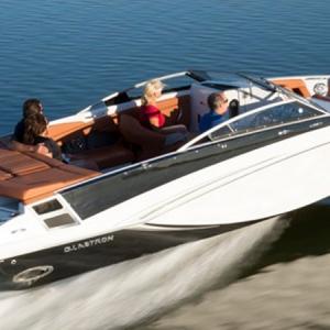Navegando Glastron 245 GT Yate Alquiler en Ibiza