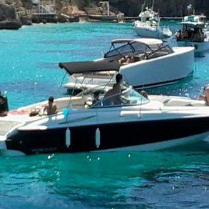 Navegando Monterey 268 SS Lancha Alquiler en Ibiza