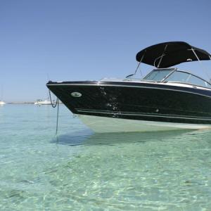 Navegando Monterey 224 FS Barco Alquiler en Ibiza