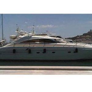 Navegando Princess V65 Man Barco Alquiler en Ibiza