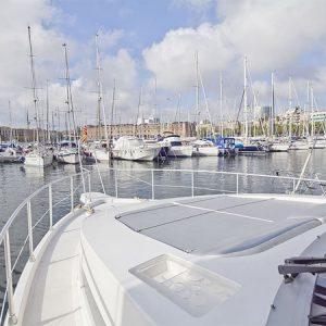 Navegando Astonda 45 GLX Lancha Alquiler en Ibiza
