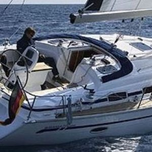 Navegando Bavaria 38 Velero Alquiler en Ibiza