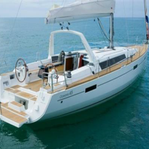 Navegando Beneteau Oceanis 45 Velero Alquiler en Ibiza