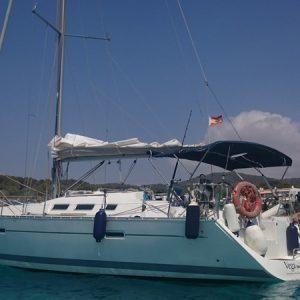 Navegando Oceanis 37.3 Barco Alquiler en Ibiza