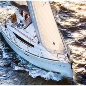 Navegando Beneteau Oceanis 38 Velero Alquiler en Ibiza