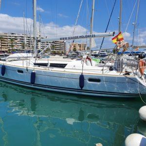 Exterior Jeanneau Sun Odissey 39 Embarcación de recreo Alquiler en Ibiza
